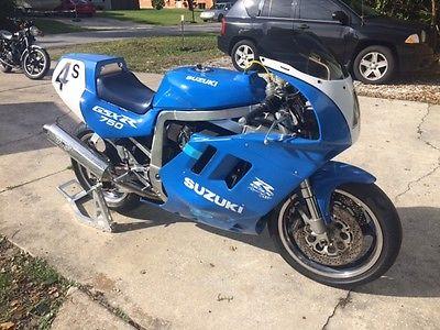Suzuki : GSX-R 1988 suzuki gsxr 750 race bike