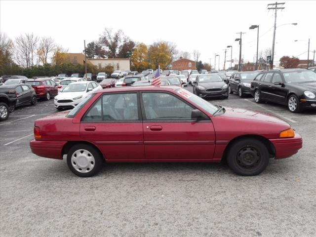 1994 Ford Escort LX 4dr Sedan LX