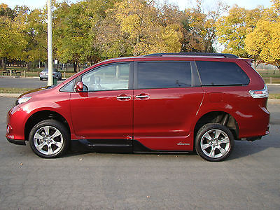 Toyota : Sienna SE w/Wheelchair Ramp Mini Passenger Van 5-Door 2014 toyota sienna se w wheelchair ramp only 8 k mi navigation