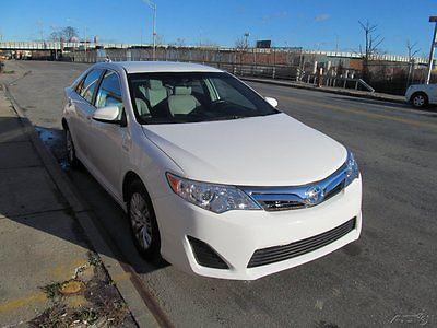 Toyota : Camry LE Hybrid 2013 le used 2.5 l i 4 16 v automatic fwd sedan