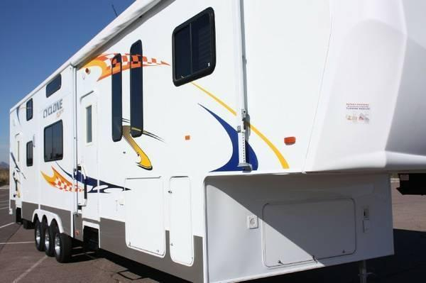 2007 Heartland Cyclone 4012 For Sale in Gainesville, Virginia 20155