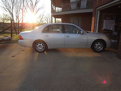 Lexus : LS 430 2002 lexus ls 430 with sport suspension white with tan interior