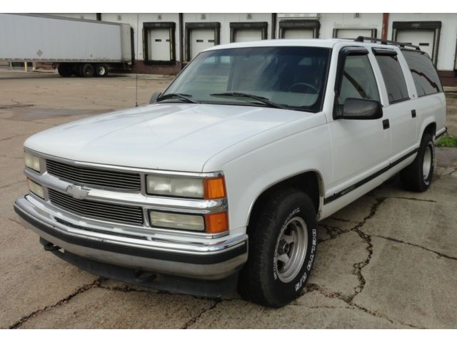 Chevrolet : Suburban LS 3RD ROW SEATING TOW PKG ALLOY WHEELS LOADED ICE COLD FRONT/REAR AIR Overhead Console ALLOY WHEELS Two Owners RUNS GREAT