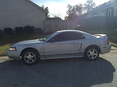 Ford : Mustang Base Coupe 2-Door silver ford mustang