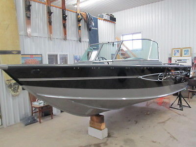 LUND 1750 TYEE brand new left over 2013