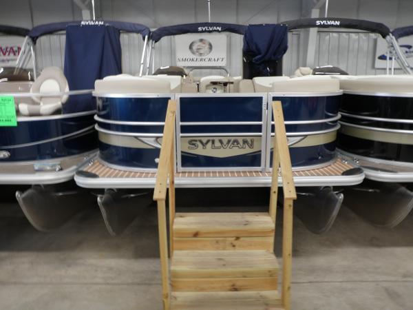 2015 Sylvan 8522 Mirage Cruise RE LE