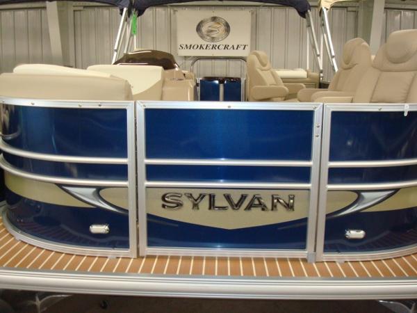 2015 Sylvan 8522 Mirage Cruise LZ Port RE