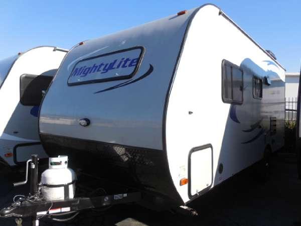2016 Pacific Coachworks BLAZE N 25FS 160 W Solar w/ Inverter/