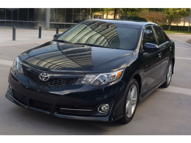 Toyota : Camry 4dr Sdn I4 A 2014 toyota camry 18 k miles se sunroof