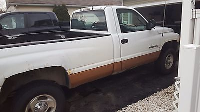 Dodge : Ram 1500 st 2001 dodge ram 1500 with 79500 miles truck is your basic work truck