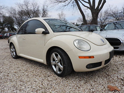Volkswagen : Beetle-New 2.5 2.5 low miles 2 dr coupe manual gasoline 2.5 l 5 cyl harvest moon beige