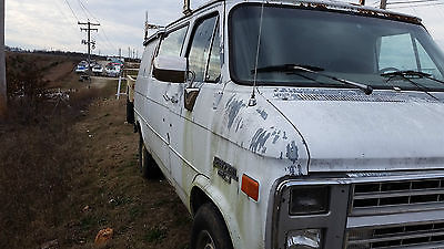 Chevrolet : G20 Van Work Van Chevy work van with ladder rack.