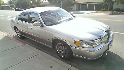 Lincoln : Town Car Executive  1999 lincoln town car executive sedan 4 door 4.6 l