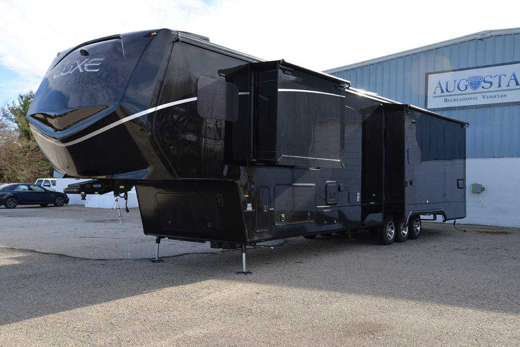 Luxe Fifth Wheel Toy Hauler For Sale