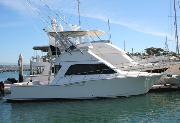 2004 Cabo Yachts 35 Flybridge Sportfisher
