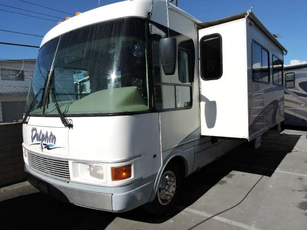 2000 Dolphin Dolphin RV 5350 Model w/ Slide Out