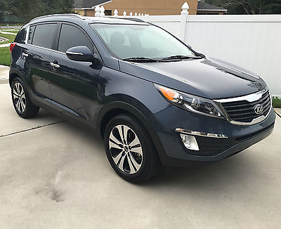 Kia : Sportage EX 2013 kia sporatage ex fully loaded pano roof nav leather excellent cond