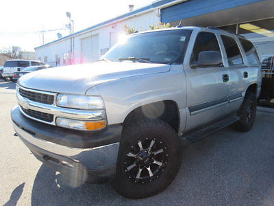 Chevrolet : Tahoe 4dr 1500 4WD LS 2005 chevrolet tahoe 4 x 4 3 rd row 5.3 l very clean