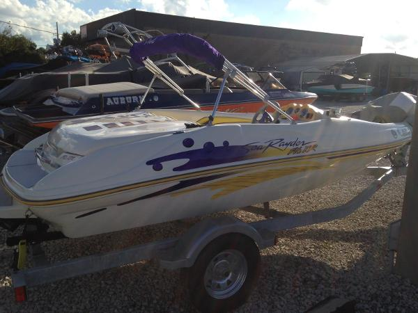 1999 Sea Ray SEA RAYDER F16 XR
