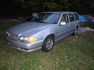 Volvo : V70 Base Wagon 4-Door 1999 volvo v 70 station wagon runs good