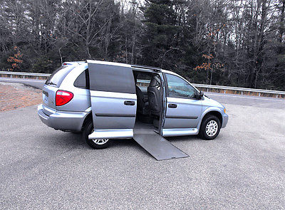 Dodge : Grand Caravan Handicap Wheelchair Van 2005 dodge g caravan handicap wheelchair van one owner 63 895 mi clear carfax