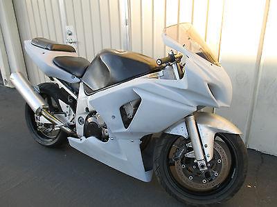 Suzuki : GSX-R 2001 suzuki gsxr 600 project parts bike gsx r gsxr 600 gixxer fuel injected