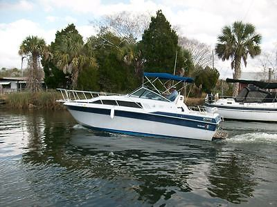 1986 Wellcraft model 260 Aft Cabin