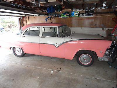 Ford Fairlane TOWN SEDAN 1955