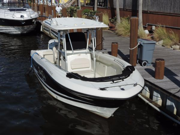 Hydra Sports Vector 2500 Cc Boats For Sale