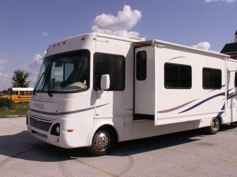 2004 Damon Daybreak Motorhome motor home camper 35ft CLEAN Low Miles