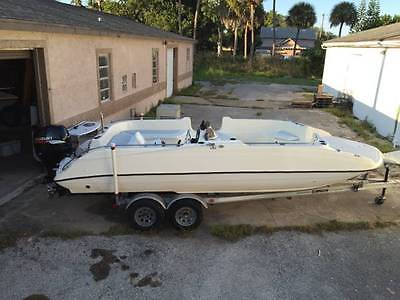 Key West Oasis Deck Boat with 4 Stroke Suzuki DF 140 outboard, 210 hours on OB!