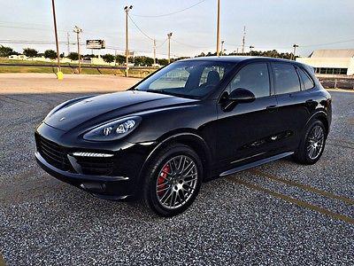 Porsche : Cayenne GTS PORSCHE CAYENNE SPORT CHRONO CREST IN HEADREST LOADED.