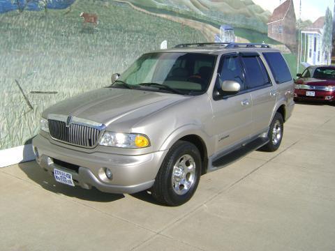2002 LINCOLN NAVIGATOR 4 DOOR SUV