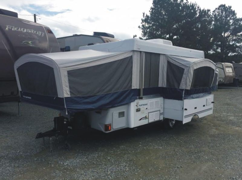 2006 Fleetwood Folding Trailer Model Bayside