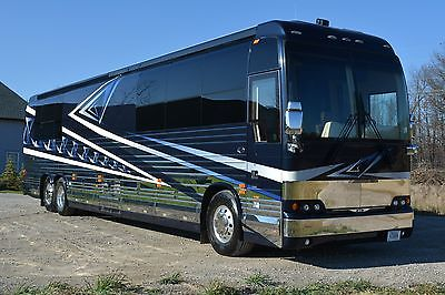 2006 Prevost 45' Country Coach
