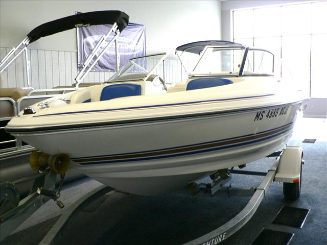 2003 Larson Runabout 180 SEI