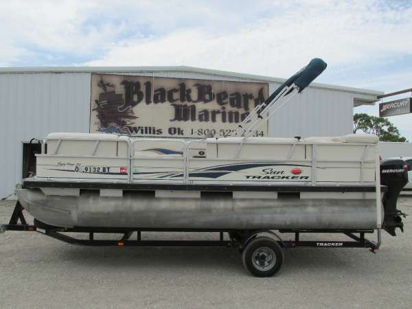 2008 Sun Tracker PARTY BARGE 21 Signature Series