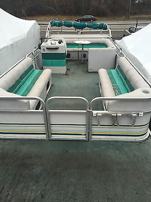 1994 Manitou 24' Pontoon Boat with Honda 35hp 4 Stroke Outboard Four Stroke