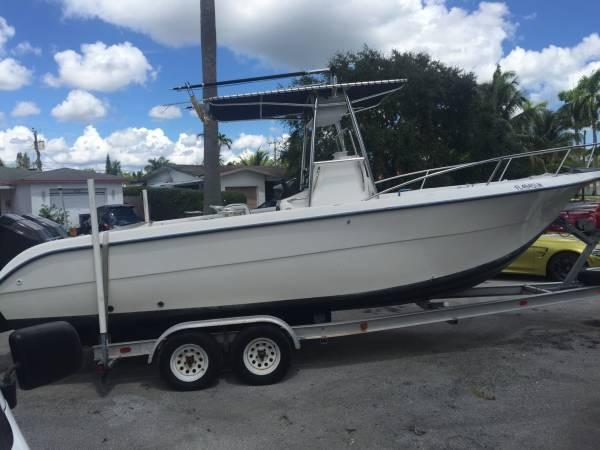 2001 Sea Fox 257 Center Console