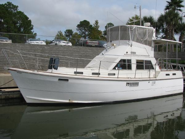 1989 Offshore 38 Motor Yacht