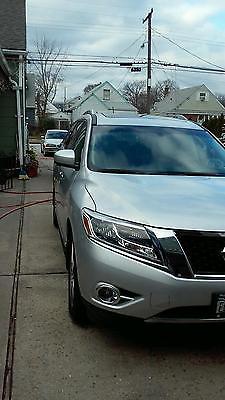 Nissan : Pathfinder Platinum Sport Utility 4-Door Nissan Pathfinder Platinum Edition Fully Loaded 1 owner 2700 miles.