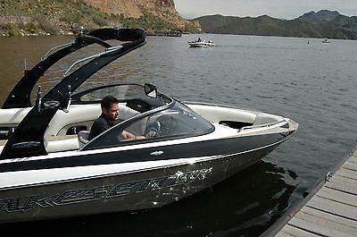 Malibu Wakeboard Boat Wakesetter 247LSV 2007