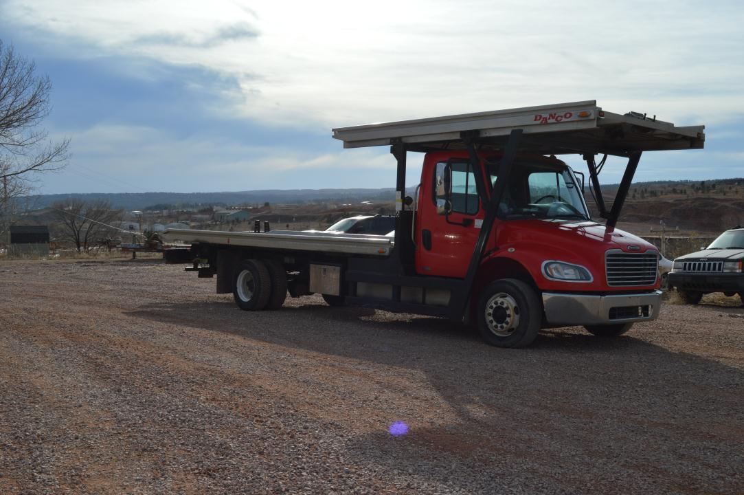 2009 Freightliner Business Class M2 106