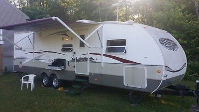 2008 Keystone Outback 33' Sydney Edition Aluminum Travel Trailer 2 slideouts
