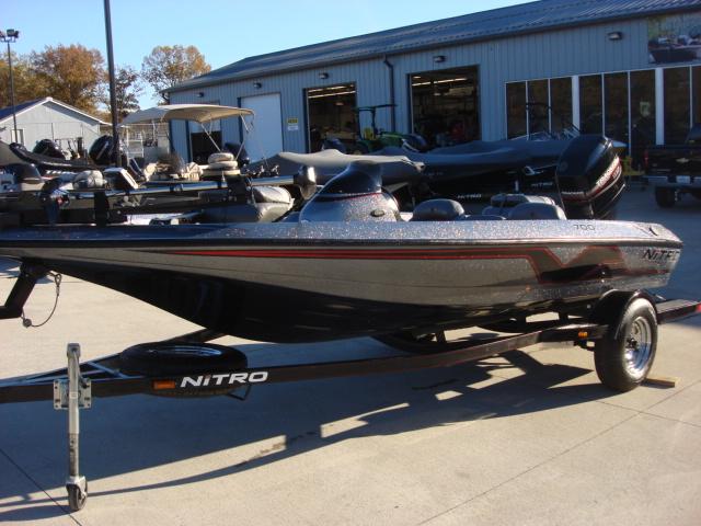 1999 Nitro Bass Boat 700 LX