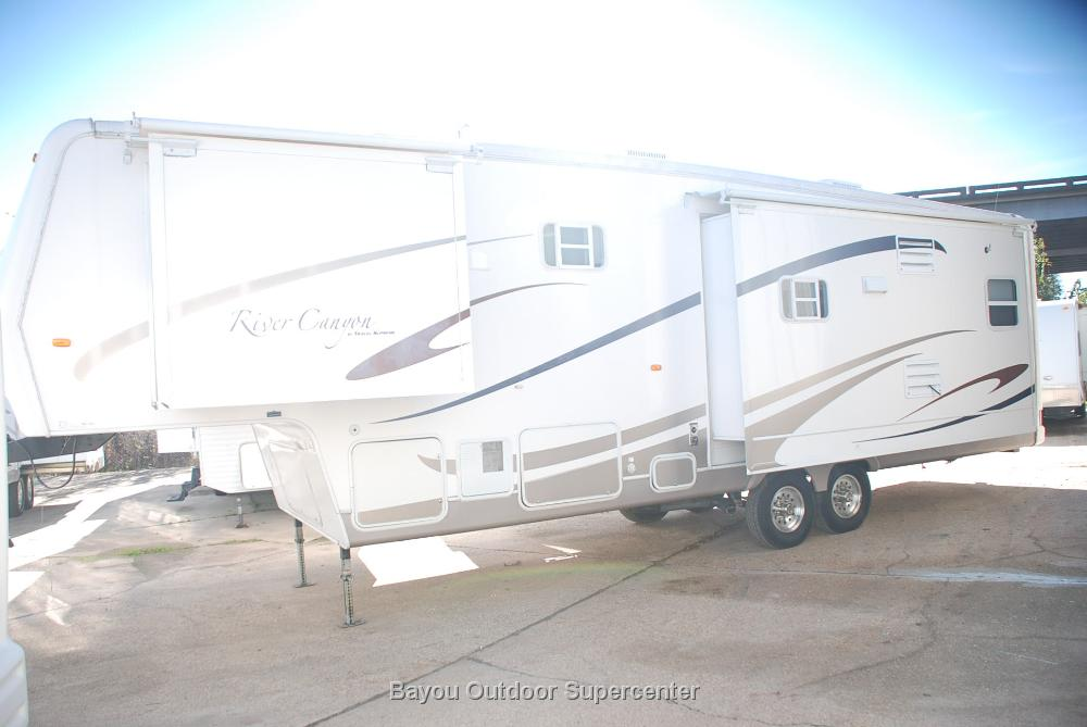 2005 Travel Supreme River Canyon 39KSTSD