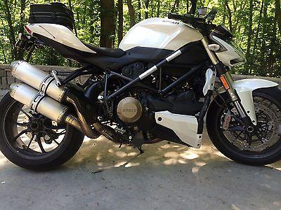 Ducati : Superbike Ducati Streetfighter
