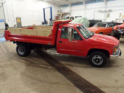 Chevrolet : C/K Pickup 3500 Regular Cab RWD Dump Truck 1999 chevy 3500 dump truck 350 5 speed manual stick shift pto only 15 000 miles