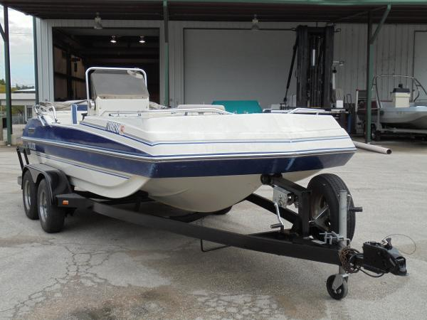 1996 Galaxie Boat Works Deckboat 1700