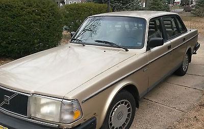 Volvo : 240 Base Sedan 4-Door 1991 volvo 240 sedan 4 door 2.3 l nice and road ready to go anywhere
